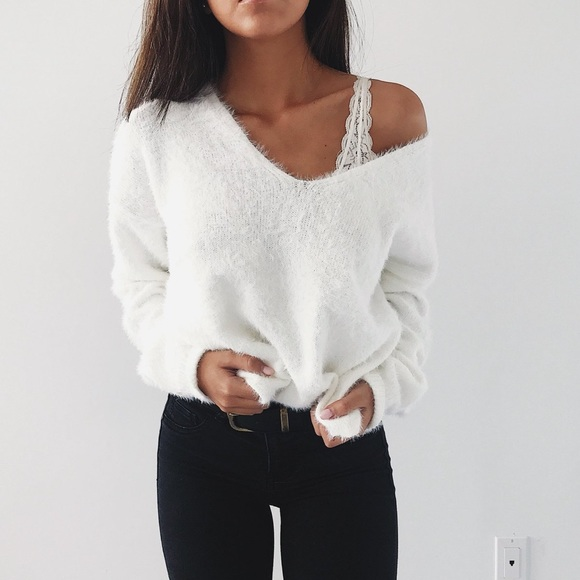 Rare Soft and Cozy Fuzzy V-neck Sweater